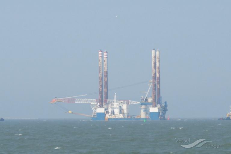 SEA WORKER photo