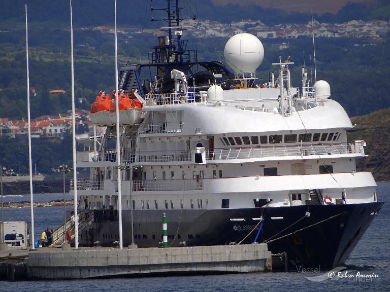 ISLAND SKY (MMSI: 311743000) ; Place: Ponta Delgada - Azores