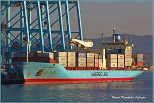 Photo of CLARA MAERSK ship
