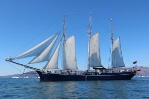 Photo of REMBRANDT VAN RIJN ship