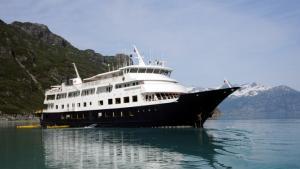 Photo of Safari Endeavour ship