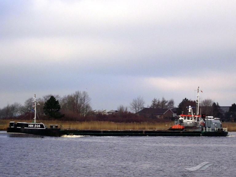 HH 205 (MMSI: 211247350) ; Place: Kiel_Canal/ Germany