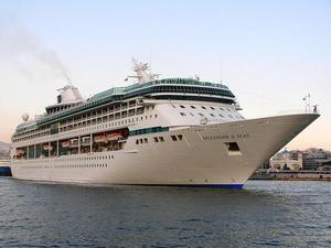 Thomson Discovery Passenger Cruise Ship Details And Current - Cruise ship web cams