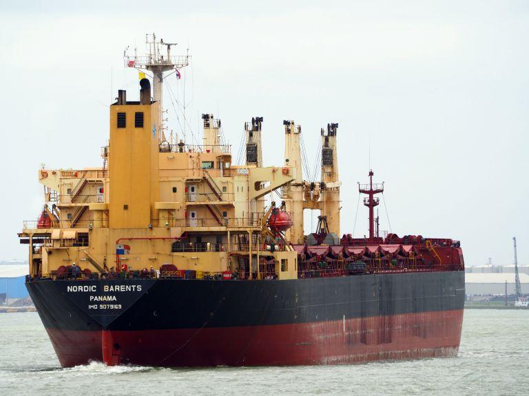 ship photo by Aart van Bezooijen