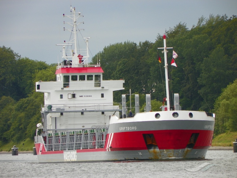 GRIFTBOR (MMSI: 304050000) ; Place: Kiel Canal, Germany