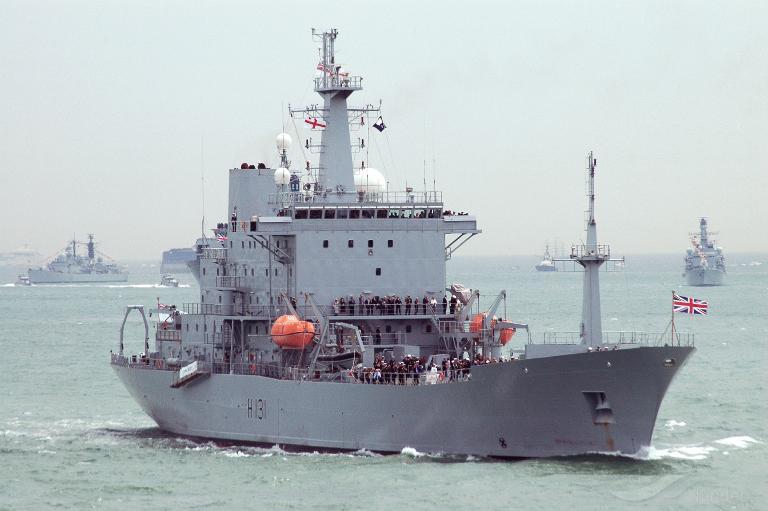 HMS SCOTT photo