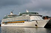 VOYAGER OF THE SEAS (MMSI: 311317000)
