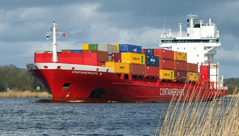 CONTAINERSHIPS 6 photo