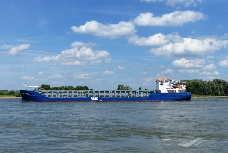 RMS GOOLE (MMSI: 304833000) ; Place: on river Rhine Xanten Germany