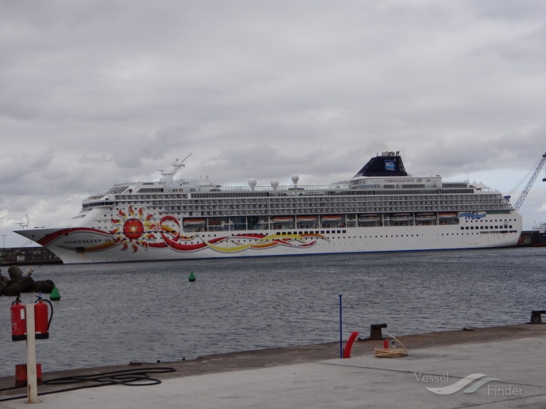 NORWEGIAN SUN photo