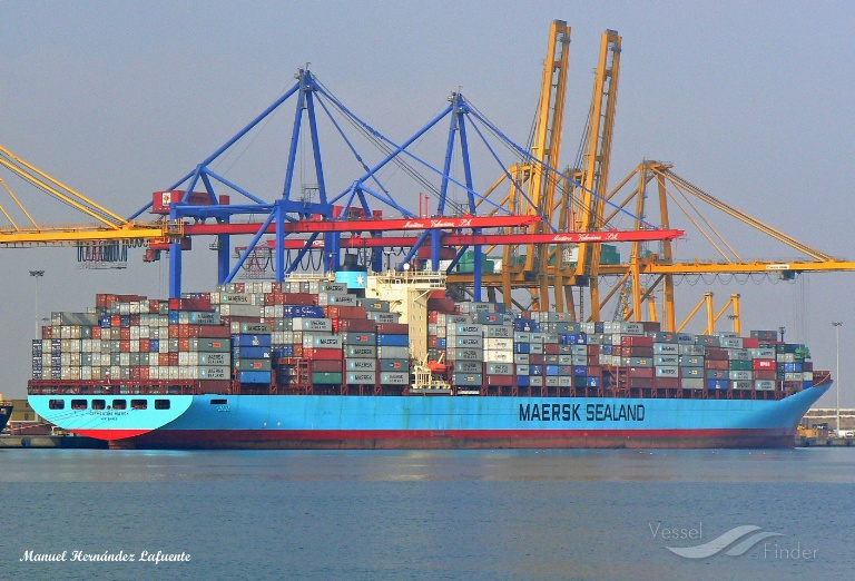 CLEMENTINE MAERSK (MMSI: 220164000) ; Place: Valencia