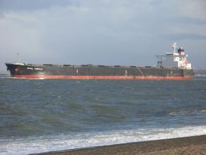 Photo of ROYAL CHORALE ship