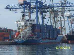 Photo of QUEEN B ship