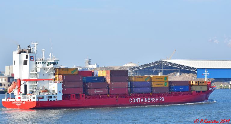 CONTAINERSHIPS 8