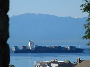 Photo of SEASPAN FRASER ship