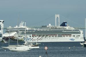 Norwegian Gem Passenger Cruise Ship Details And Current - Norwegian gem cruise ship