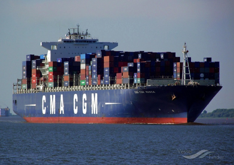 CMA CGM MUSCA (MMSI: 235070928) ; Place: River Elbe