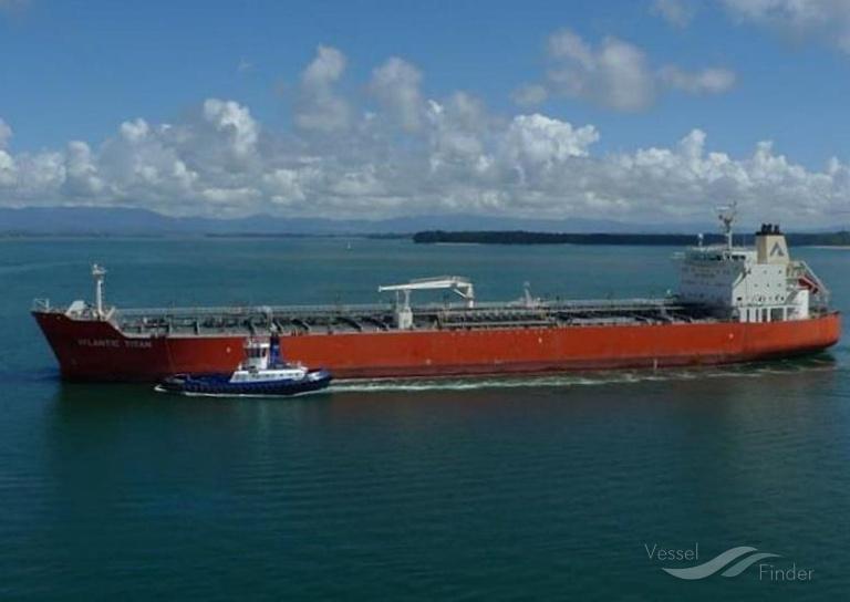 ATLANTIC TITAN (MMSI: 477163800) ; Place: Tasman Sea