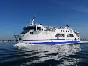 Photo of ILE DE GROIX ship
