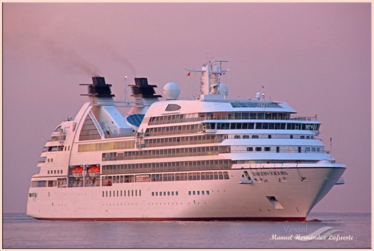 SEABOURN SOJOURN (MMSI: 311027100) ; Place: Valencia