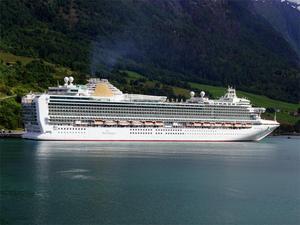 Photo of Azura ship