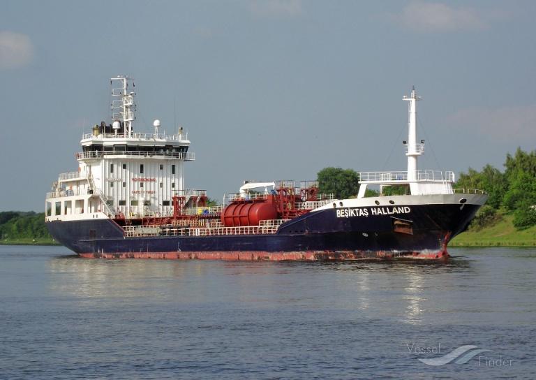 DONIA (MMSI: 266454000) ; Place: Kiel_Canal/ Germany