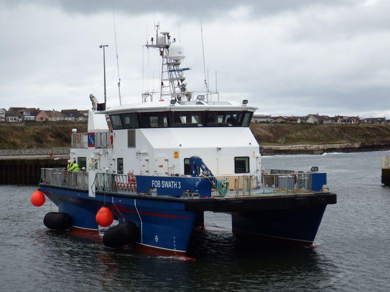 ship photo by Ian Greenwood