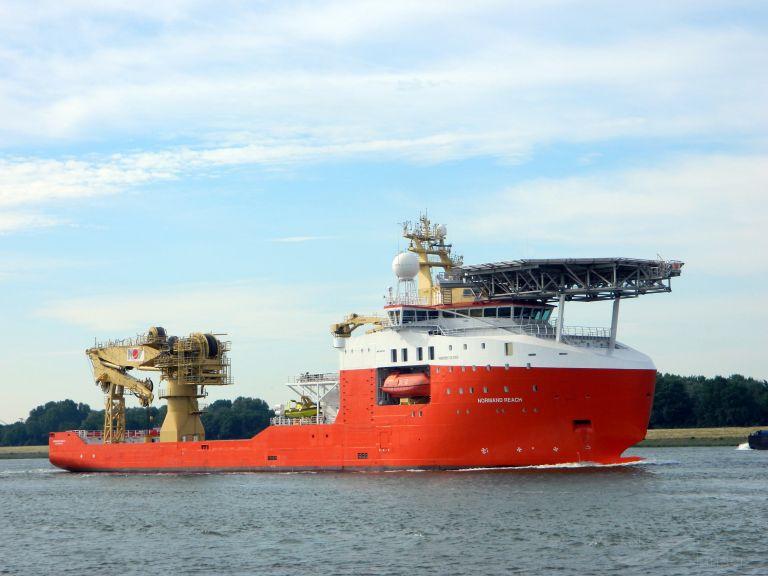 ship photo by Jan van der Pluijm