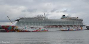 Photo of GENTING DREAM ship