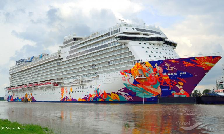 World Dream Passenger Cruise Ship Details And Current Position Imo 9733117 Mmsi 311000318 Vesselfinder