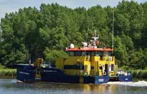 Photo of MARINECO STINGRAY ship