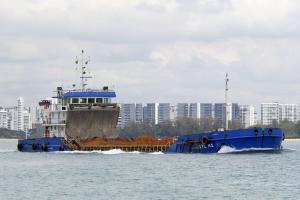 Photo of STL H1 ship