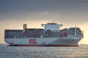 Photo of OOCL UNITED KINGDOM ship