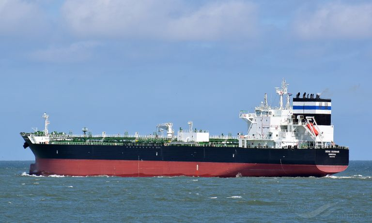 ship photo by Arjan Elmendorp